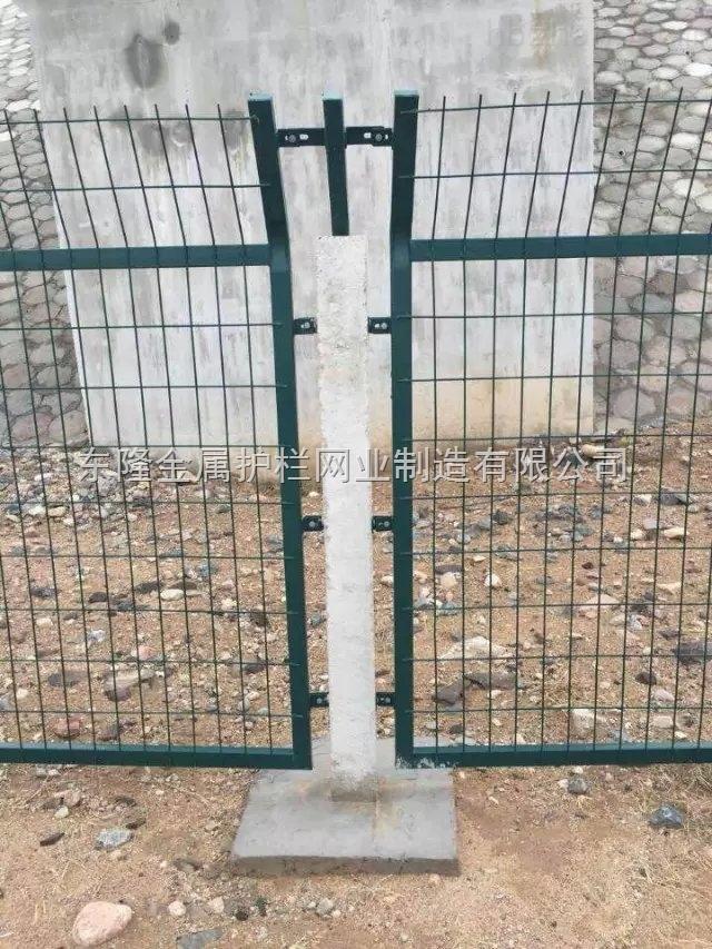 铁路线路防护栅栏加密网片