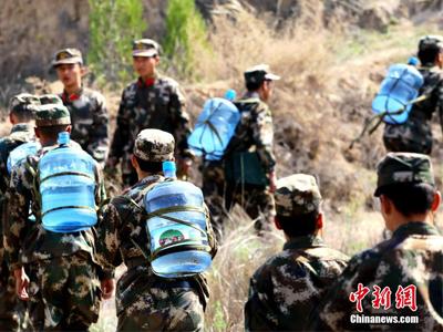 甘肃武警背水40吨绿化荒山
